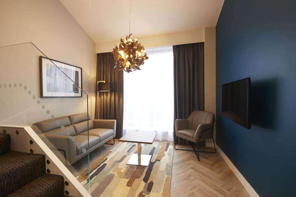 Roomzzz Aparthotel